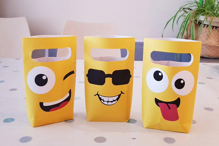 Illustration DIY PARTY BAGS SMILEY IN PAPER